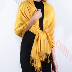 Accessories - Yellow scarf #3